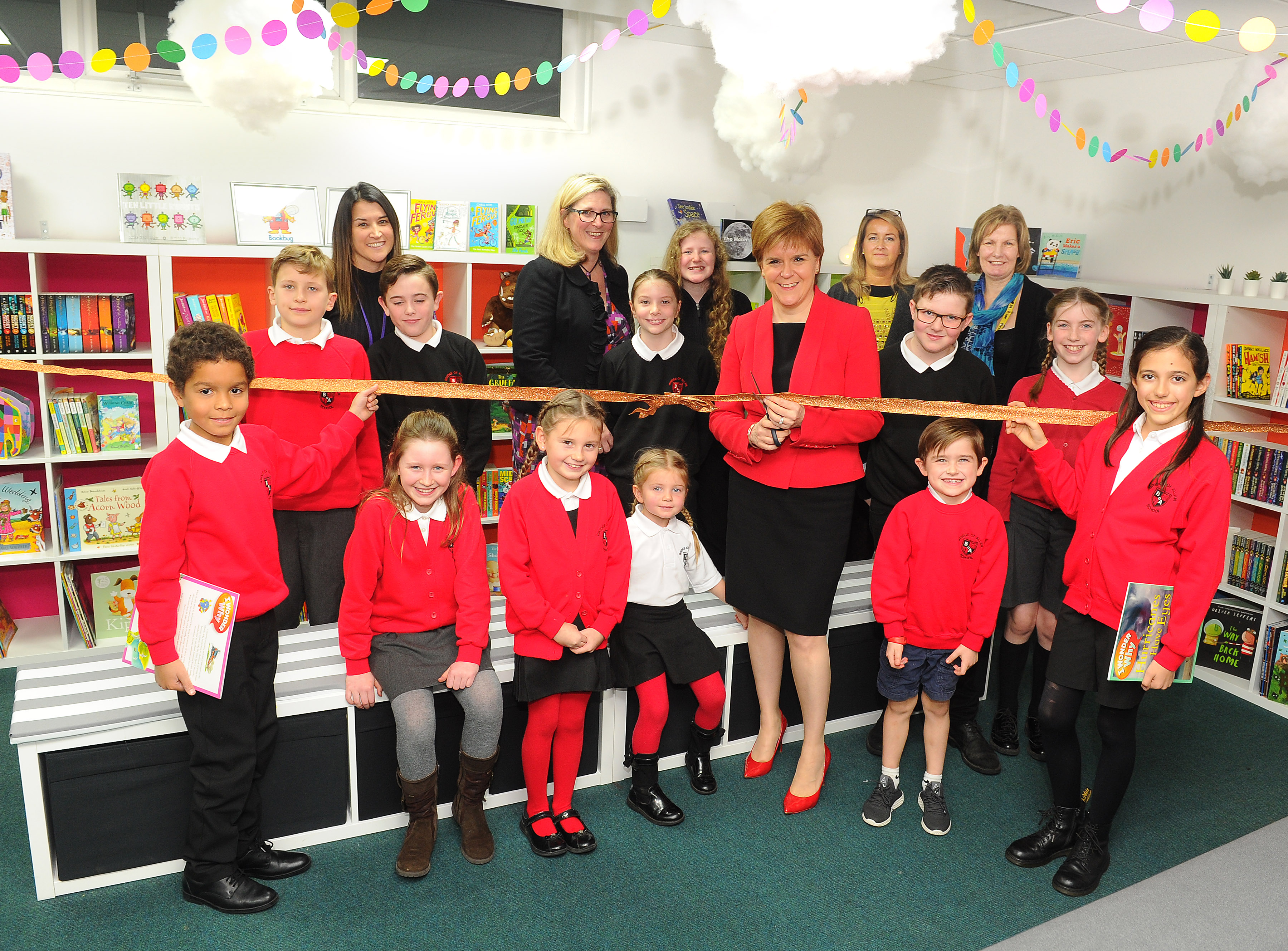 Nicola Sturgeon vists Bridge of Allan Primary